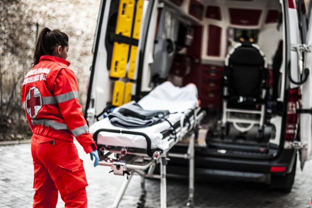 熱傷受傷者の安全と搬送の基本に戻るBLS-熱傷ケアの実例